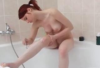 mladé oholený vagíny