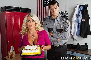 Alura Jenson: Policeman fucking