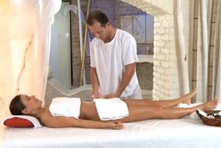Eva Strauss: Relaxing massage (HD porn)