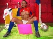 Česká fotbalistka laská svoji pipinku
