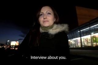 Rychlý prachy aneb Public Agent v českých ulicích (v autě)