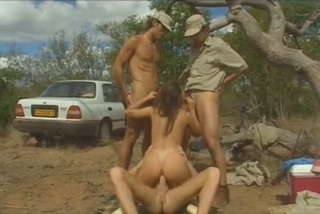 Pornokalendář DV (Berta 23.9) - Lovci uloví samičku