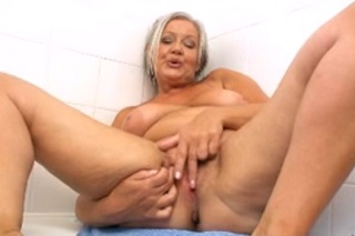 trpaslík creampie sex