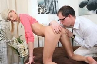 prvni analni sex dominy videa