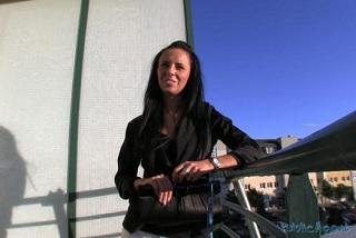 Gina Devine E17
