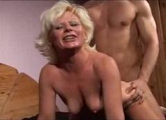 Zralá žena v pornu pro ženy