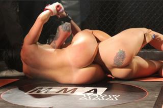 Angel Long a Chloe Lovette: MMA zápas s lesbickým koncem!