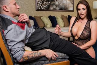 Angela White: Sexuální chvilka s prsatou prostitutkou!