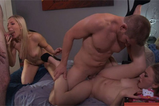 Ashley Fires and Riley Reynolds: Family orgy in foursome!