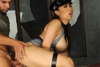Asian policewoman Tigerr Benson fucks a prisoner!
