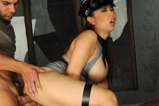 Asian policewoman Tigerr Benson fucks a prisoner!