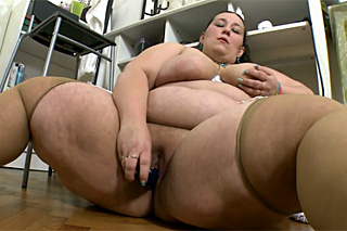 Attractive chubby office clerk masturbating before heading to work!