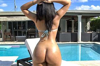 Ava Sanchez: Latina s luxusní prdelkou na dovolené!