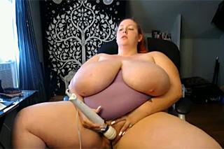 špičatá prsa dlouhá videa zdarma
