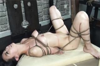 BDSM a hezkou Asiatkou!