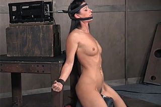 BDSM machine for perverse deepthroat!