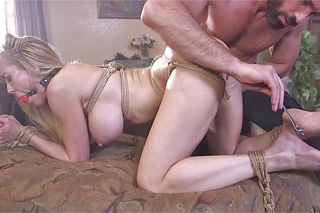 Brandi Love a Charles Dera: BDSM a drsný sex!