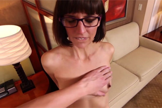 Spectacled mom has orgasm while getting facial - casting porn