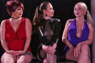 Casey Calvert a Leya Falcon v bizarní anální soutěži – fisting porno