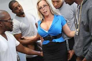 Black students fuck owner's wife instead of a rent! (Amber Lynn Bach)