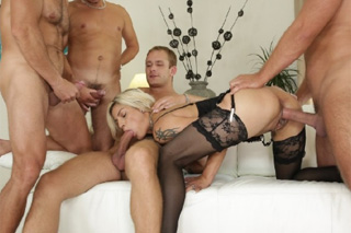 Czech nymph Klanisa Leone can handle four cocks in a gang bang!