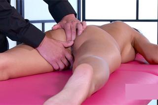 Czech Paula Shy at orgasmic massage!