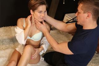 Český fotograf šoustá ukrajinskou modelku ve studiu (Sasha Zima a Steve)