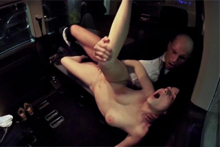 Czech sex in parking lot, or taxi driver Leny Evil and beauty in distress Antonia Sainz!