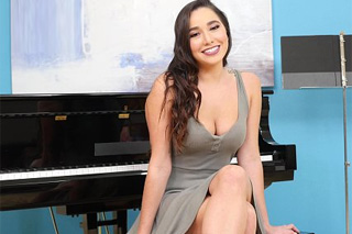 Hairy girl Karlee Gray fucks with pianist teacher! - squirt porn