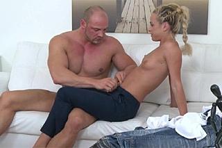 Černé svalnaté porno