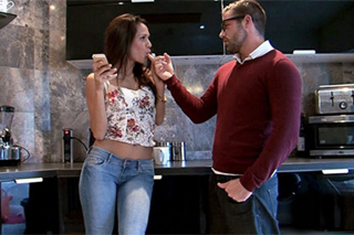 Daughter seduces her mother's husband in the kitchen! (Samia Duarte)