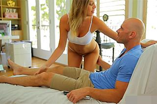 Saras diary: Cold boyfriend Tomas likes a vibrator
