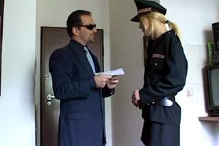Deník Sáry: Šukačka v kanceláři policejního šéfa
