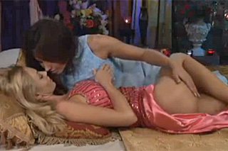 Erotické lesbické svádění videa