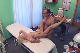 dlouhá videa fake hospital