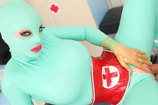 Fetish sex in the surgery or nurse in latex Latex Lucy is fucking!