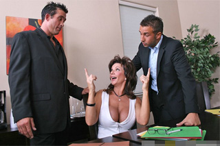 Frustrated wife Deauxma and two lawyers, or divorce turns into a threesome!