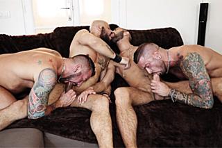 Gay orgie, aneb divoká mužská čtyřka