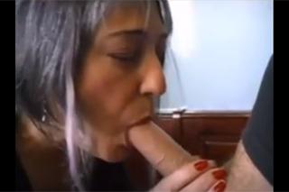 babička anální bolest porno