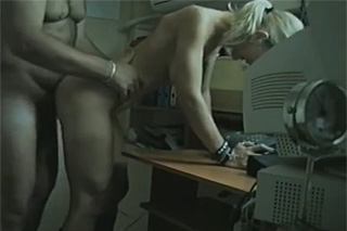Office coitus performed by amateur pair!