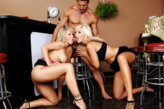 Trojice porno spodní prádlo