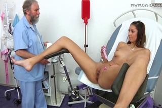 Kitty Jane u gynekologa – české porno