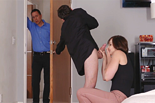Youngster passionately bangs his uncle's wife - family porn