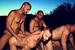 gay skupinový sex orgie