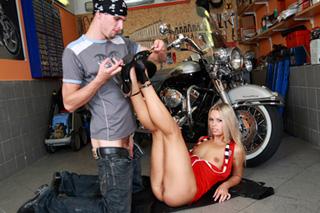 Can sabrina blond biker can suggest