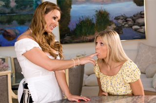 Mom Tanya Tate Plays enjoys lesbian games with daughter´s friend Scarlet Red