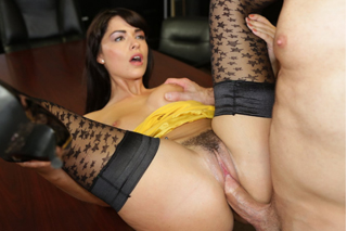 Hot manager Ava Dalush fucks with repairman John Strong for a discount