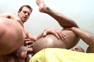 Masér Robert Axel a klient Dave Johnson – gay porno