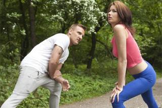 Matt Ice a Denissa: Trénink v lese skončí romantickým sexem!