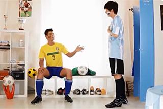 Mladí fotbalisté trénují sex! – české gay porno